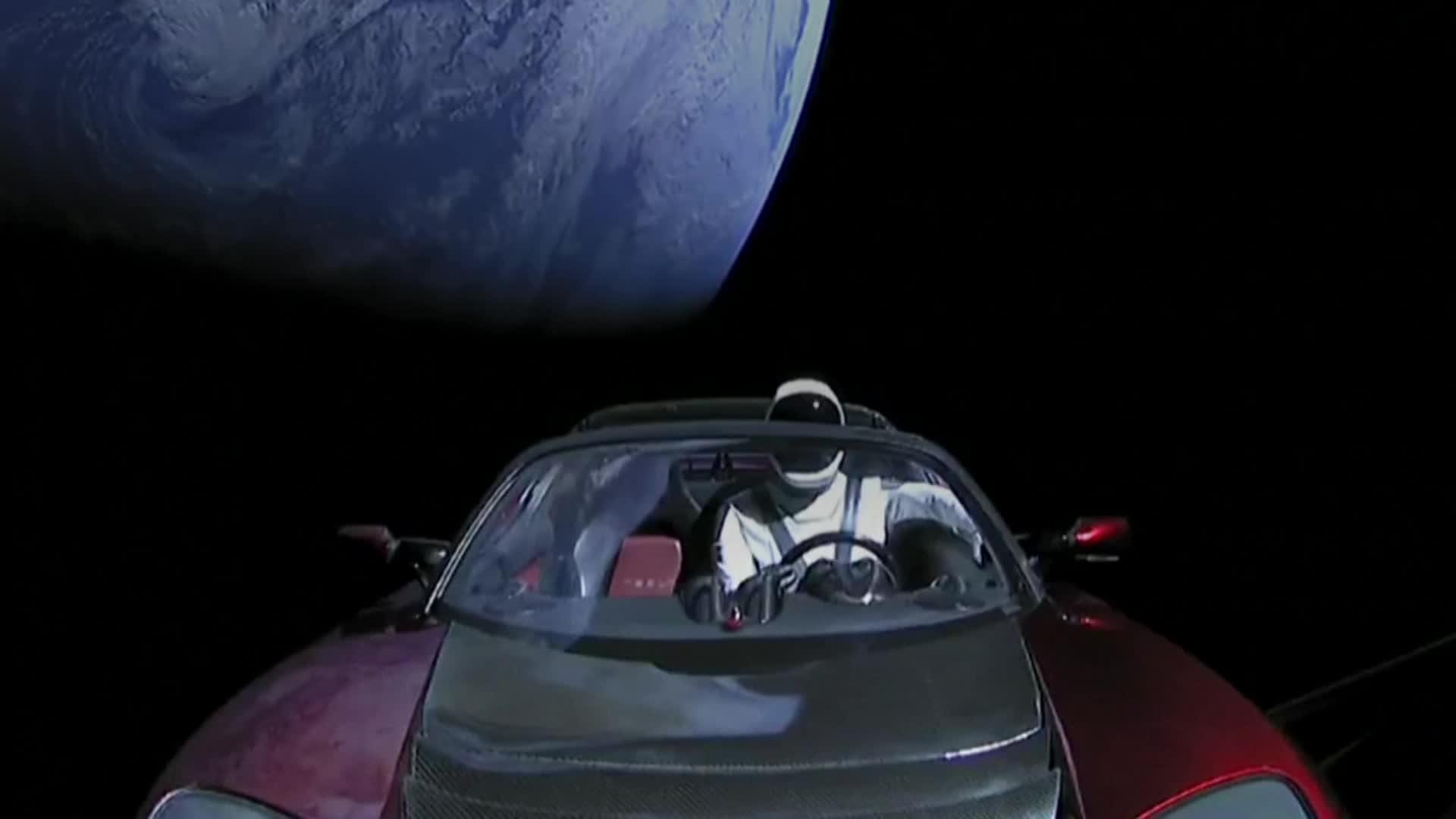 Musk S Tesla Sports Car Orbits In Space After Rocket Launch